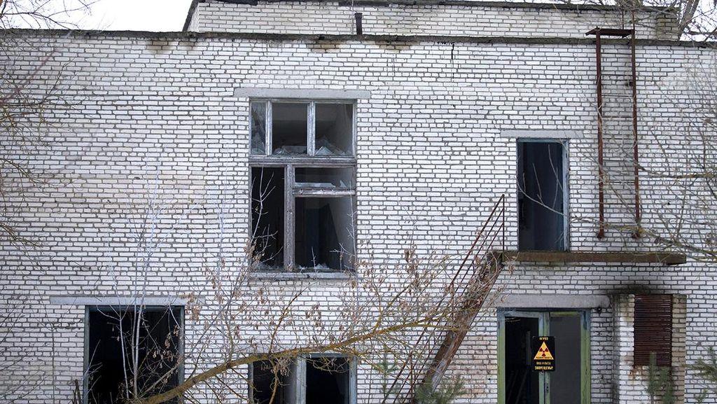 Nostalgia Penduduk Pripyat dalam Peringatan 30 Tahun Bencana Chernobyl