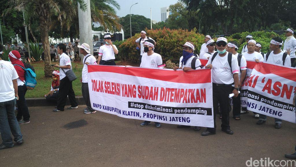10 Perwakilan Pendamping Desa Sampaikan Petisi ke Pihak Istana
