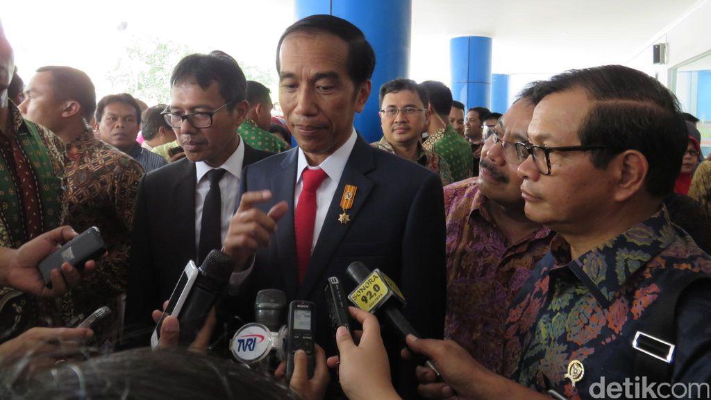 Presiden Jokowi Minta Pelayanan Paspor, KTP, Hingga SIM Harus Cepat!
