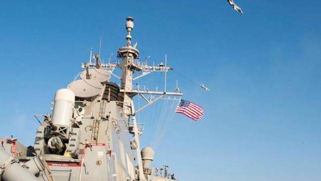 Jet Tempur Rusia Terbang Terlalu Dekat dengan Kapal AS, Ini Kata Menlu Kerry