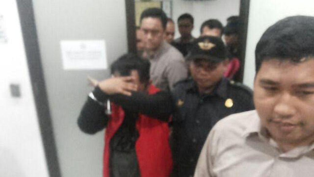 Jaksa Tahan Tersangka Korupsi Proyek Jembatan di Depok