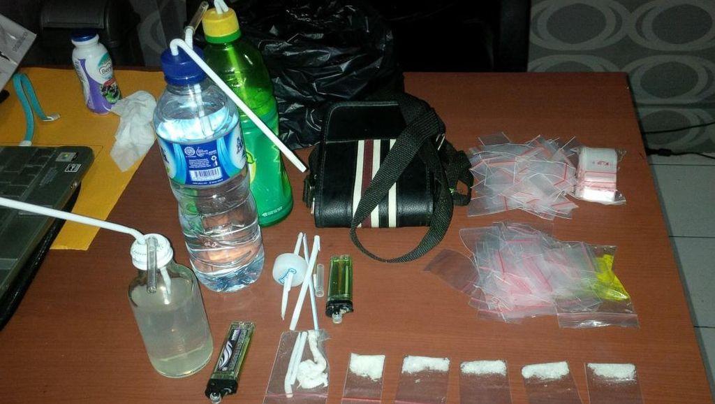 6 Orang Ditangkap Pesta Sabu di Timika, Salah Satunya Oknum Polisi
