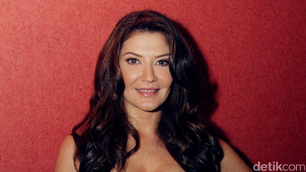 Tamara Bleszynski Dipertemukan dengan Pelaku Penjambakan