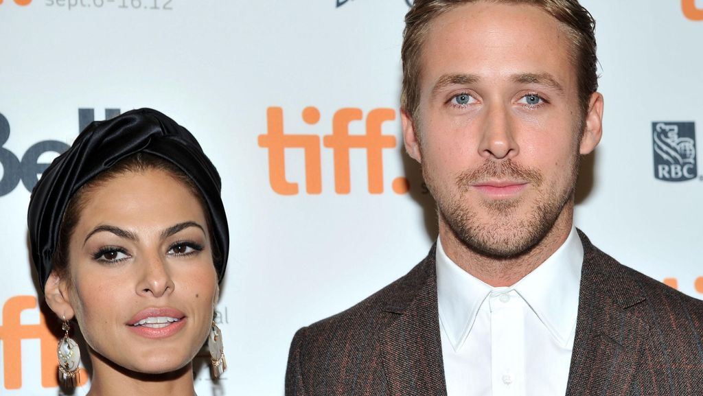 Eva Mendes dan Ryan Gosling Ingin Besarkan Anak dengan Normal