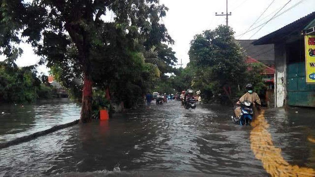 Genangan di Surabaya, Kepala Dinas PUBMP: Debit Air Tinggi Ditambah Air Laut Pasang