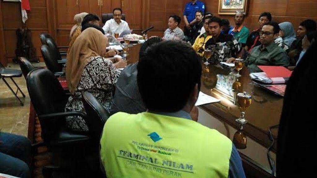 Diwaduli Pekerja Magang, Gus Ipul: Pelindo III Harus Sikapi Tuntutan Mereka