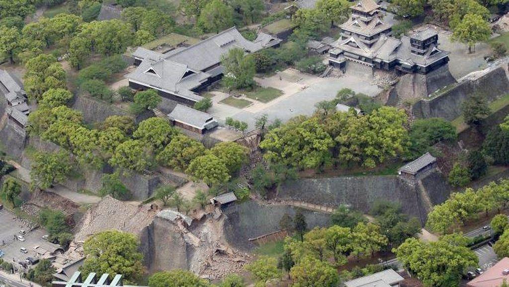 Tembok Kastil Berumur 400 Tahun di Kumamoto Rusak Akibat Gempa 7 SR