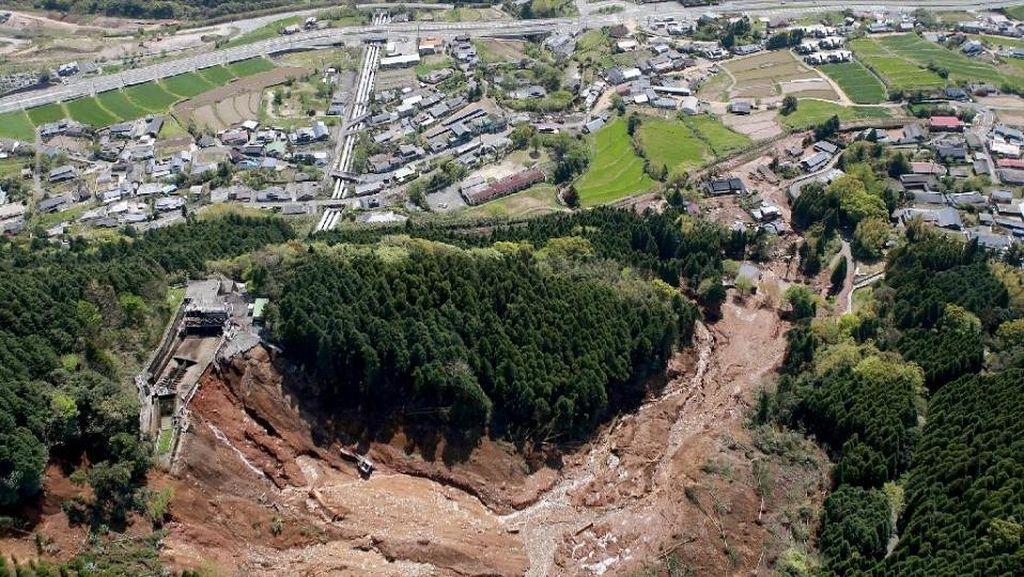 Jepang Dilanda Banjir dan Longsor, 4 Orang Tewas