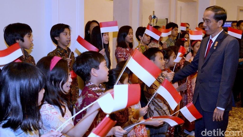 Jokowi: Pendidikan Bukan Hanya Menjadikan Manusia Indonesia Cerdas dan Pintar