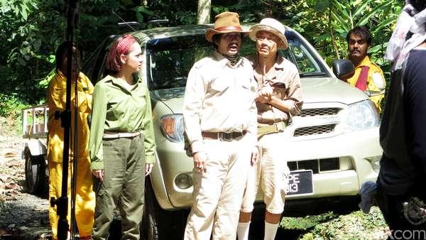 Mengintip Proses Syuting Reza Rahadian dan BCL di Hutan Malaysia