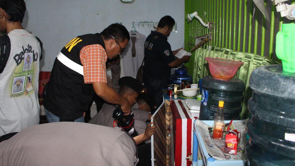 Tim Gabungan BNN, Polri dan TNI Razia Narkoba di Lapas Porong