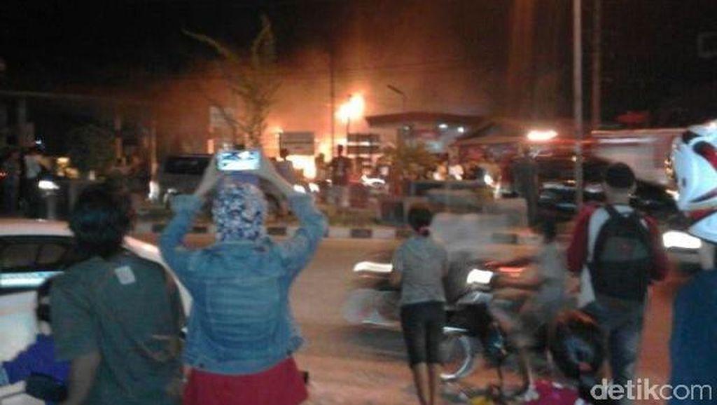 Kebakaran SPBU di Duri, Polisi: Saat Pengisian BBM Mesin Honda Jazz Menyala