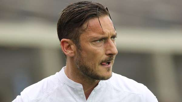 Totti Sang Peter Pan: Happy Forty!
