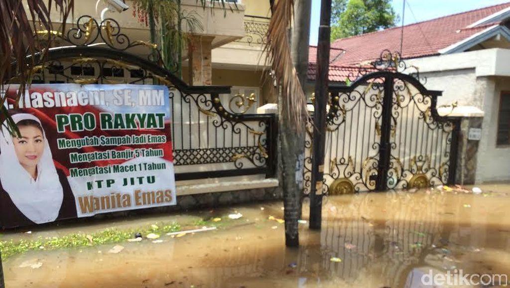Ngungsi dari Rumah yang Kena Banjir di Kemang, Wanita Emas Pindah ke Apartemen