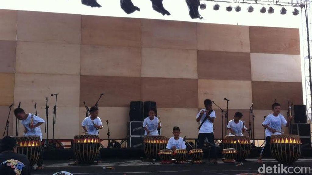 Festival Kebudayaan di Sulteng, Ratusan Anak Latihan di Tepi Pantai Kayu Bura
