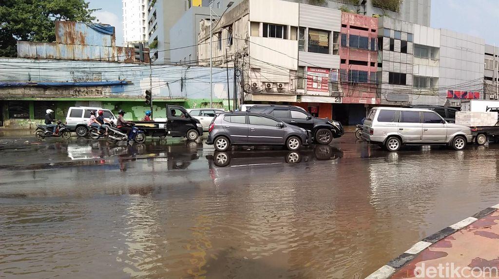 Ahok: Kurang Ajar! BPBD DKI Beri Info Banjir Tanpa Lanjutan Surutnya Air