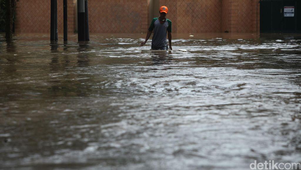 Banjir Bandang Terjadi di Karo, Terjang 6 Rumah dan Seorang Tewas
