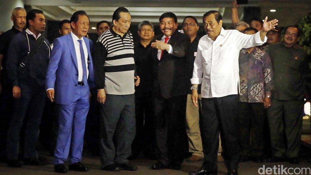 Jaksa Agung: Samadikun Tak Diborgol Bagian dari Deal
