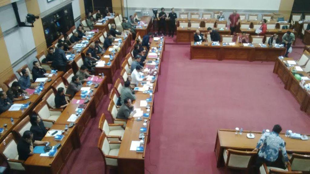 Raker dengan Kejagung, Ketua Komisi III Minta Anggota DPR Tak Ada yang WO