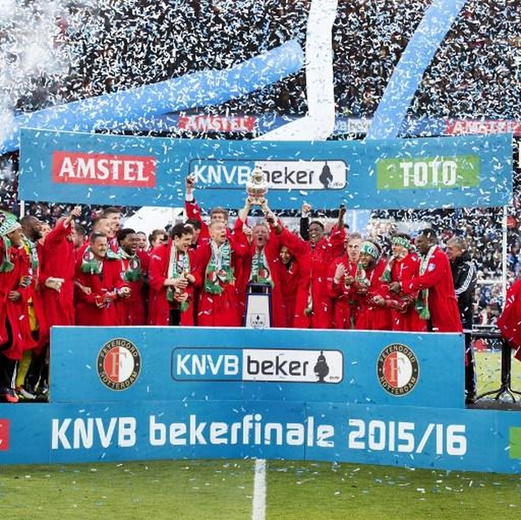 Terinspirasi PSV, Bisakah Feyenoord Kalahkan MU?