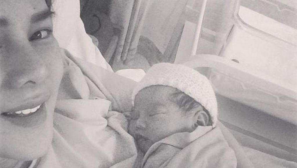 Astrid Tiar Lahirkan Putri Kedua di Inggris