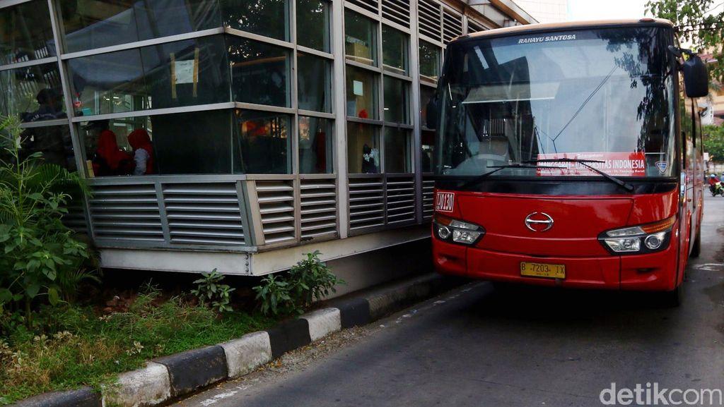 Jalan Panjang Ahok Menang Melawan Vendor Bus TransJakarta