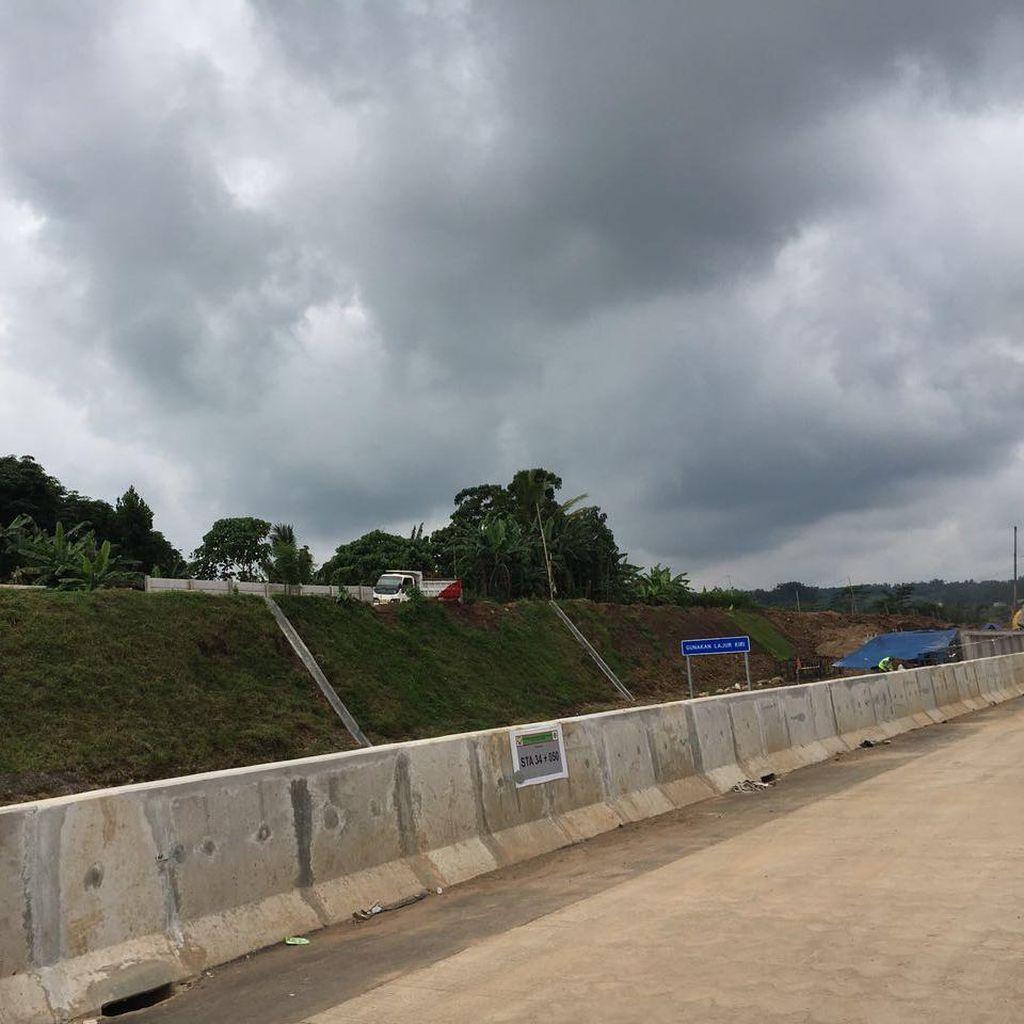6 Anak Kendarai Motor Melenggang di Tol Semarang, <I>Ngaku</I> Bingung Arah Jalan
