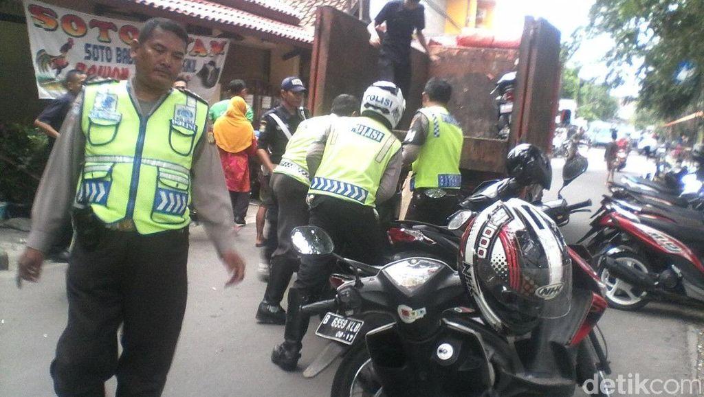 Parkir di Sembarang Tempat, 12 Motor di Bekasi Diangkut Polisi