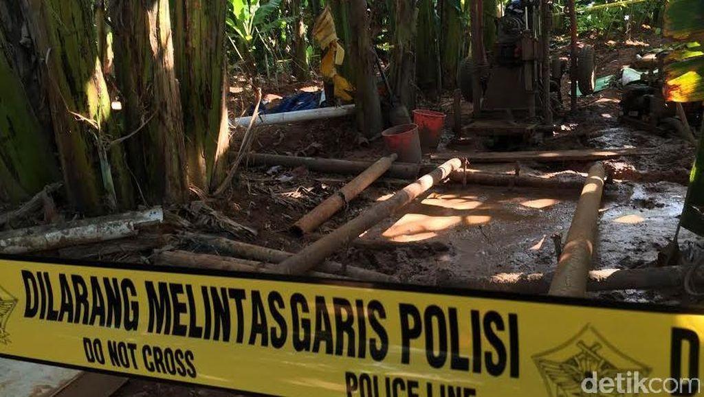 Pipa Besi Hingga Alat Las Disita Saat Penangkapan WN China oleh TNI AU