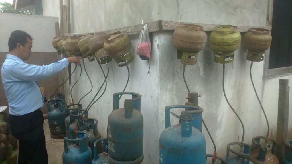 Begini Cara Maling Gas Subsidi 3 Kg Beroperasi, Isi Dipindahkan ke Gas 12 Kg