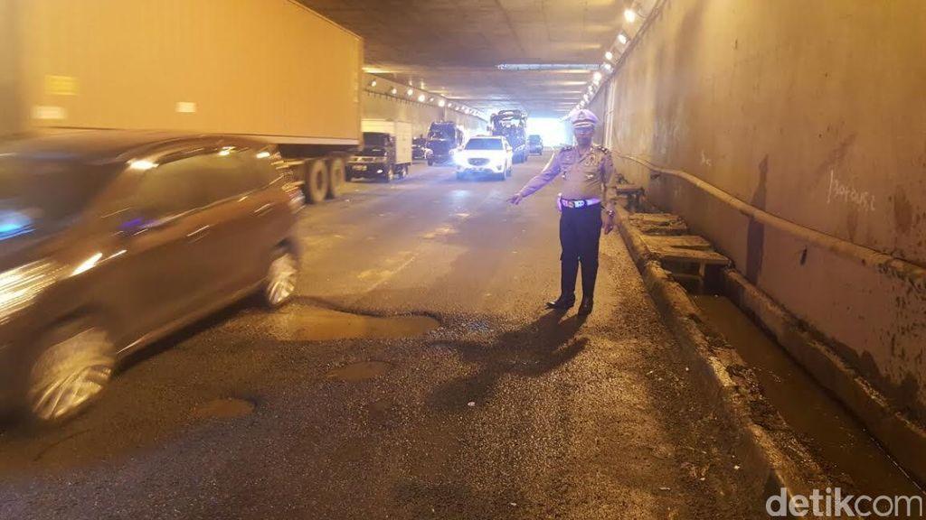 Terowongan Pasar Rebo di JORR KM 31 Kembali Berlubang, Awas Macet