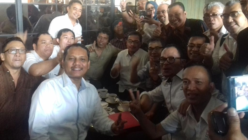 Suasana Santai Saat 3 Menteri Kumpul-Kumpul di Acara Relawan Jokowi
