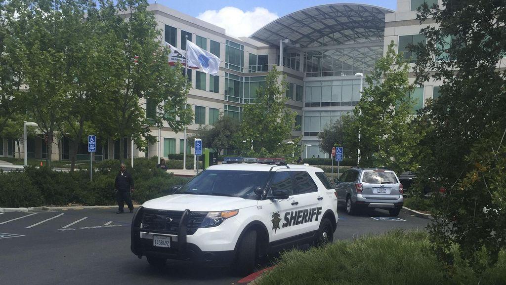 Pegawai Apple Inc Ditemukan Tewas di Ruang Konferensi