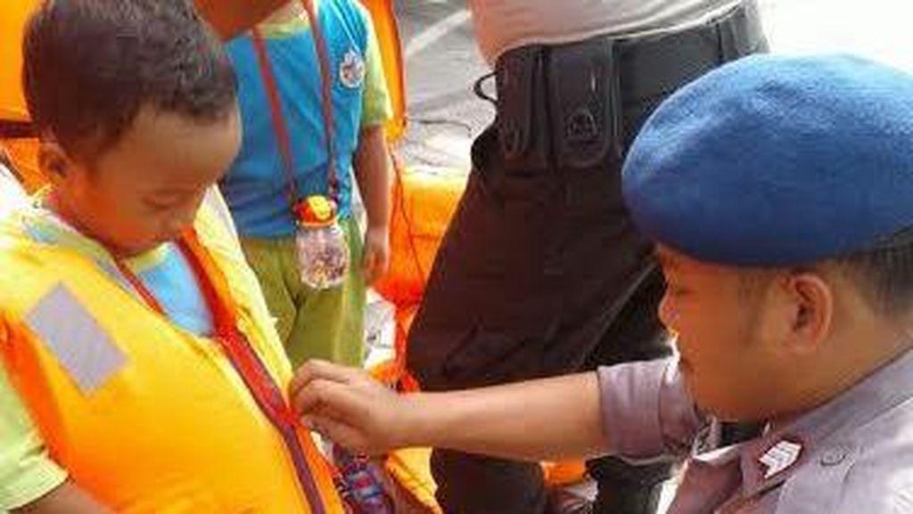 Serunya Anak-anak TK Berpatroli Laut di Pulau Onrust
