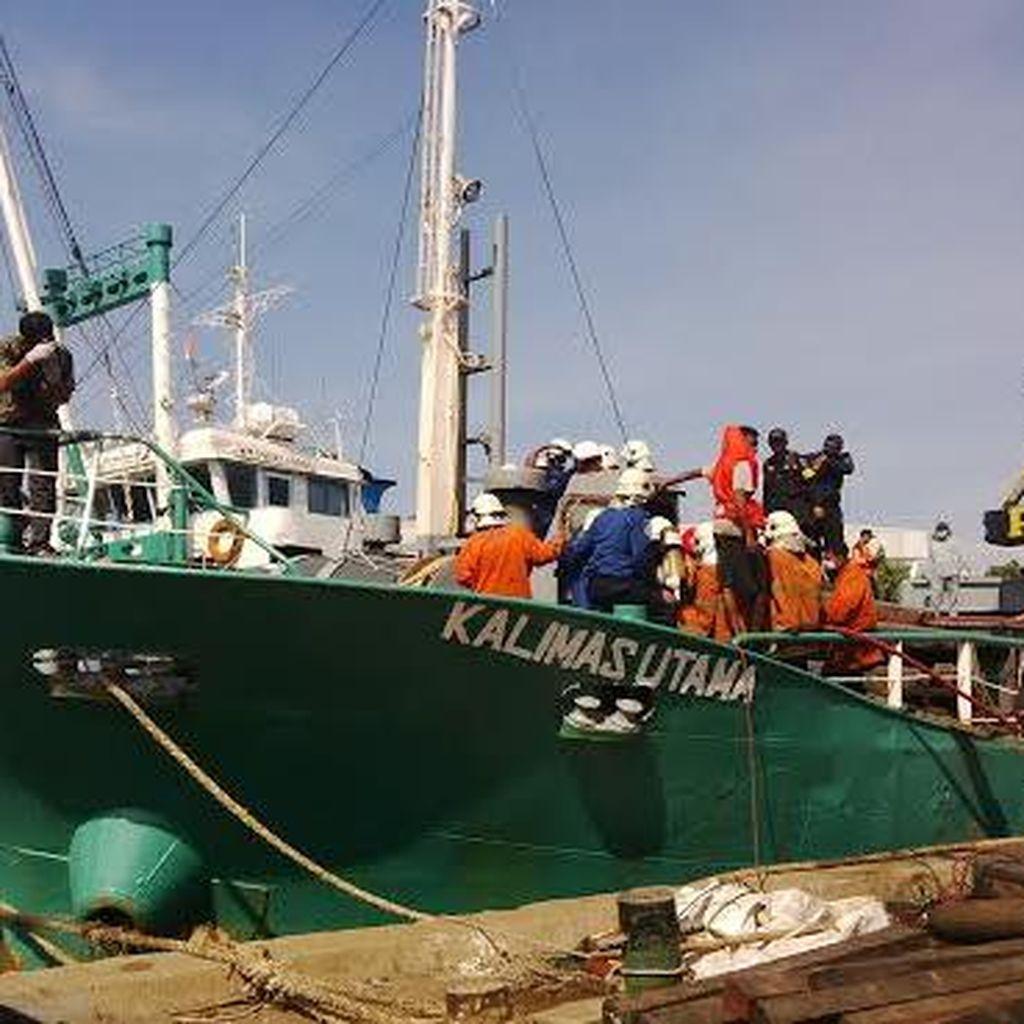 KM Kalimas Utama Terbakar Saat Ngelas di Dalam Kapal