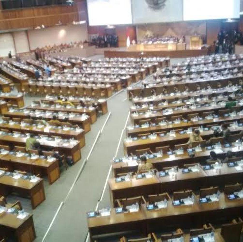 Paripurna Penutupan Masa Sidang, 222 Anggota Dewan Bolos