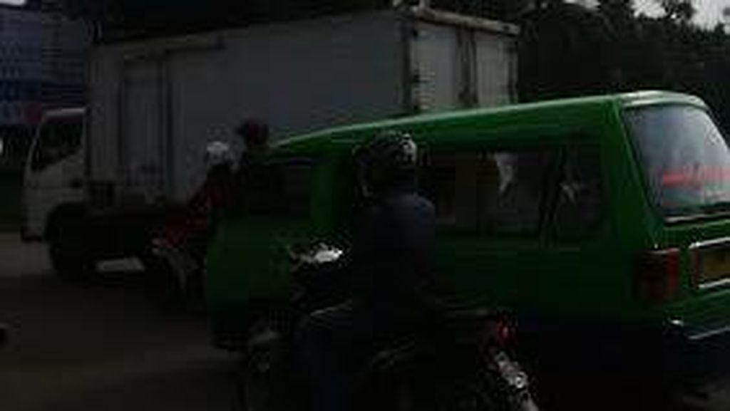 Angkot di Kota Bogor Masih Mogok, Penumpang Tak Khawatir