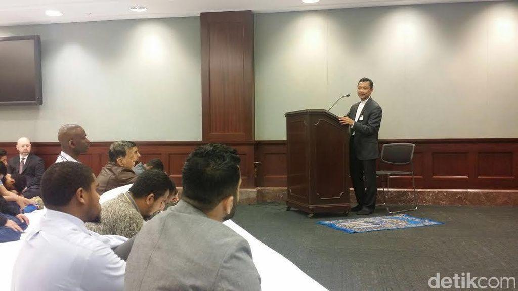 Imam Shamsi Ali Beri Khutbah Jumat di Gedung Capitol