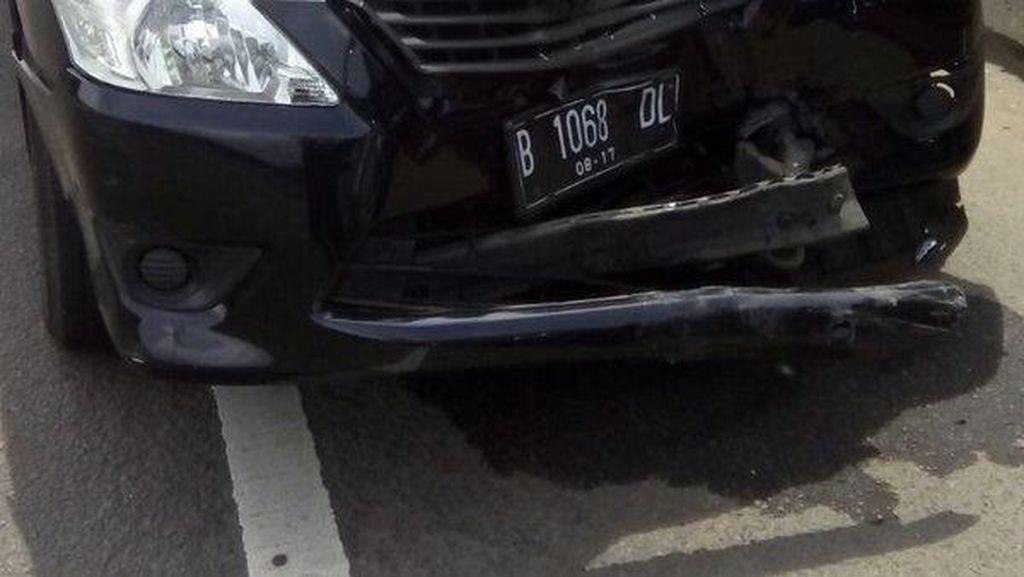 Ada Tabrakan Innova dan Freed, Lalin Tol Bandara Arah Kapuk Macet 3 KM