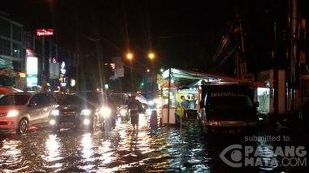 Malam Minggu di Jakarta, Sejumlah Ruas Jalan Macet