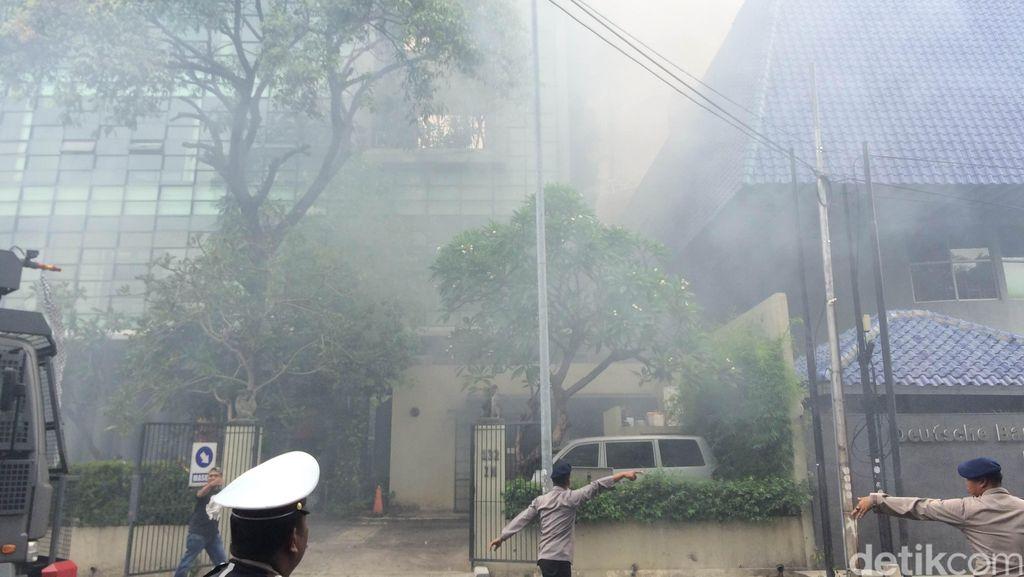 Dapur Restoran Bebek Bengil Hancur Akibat Kebakaran