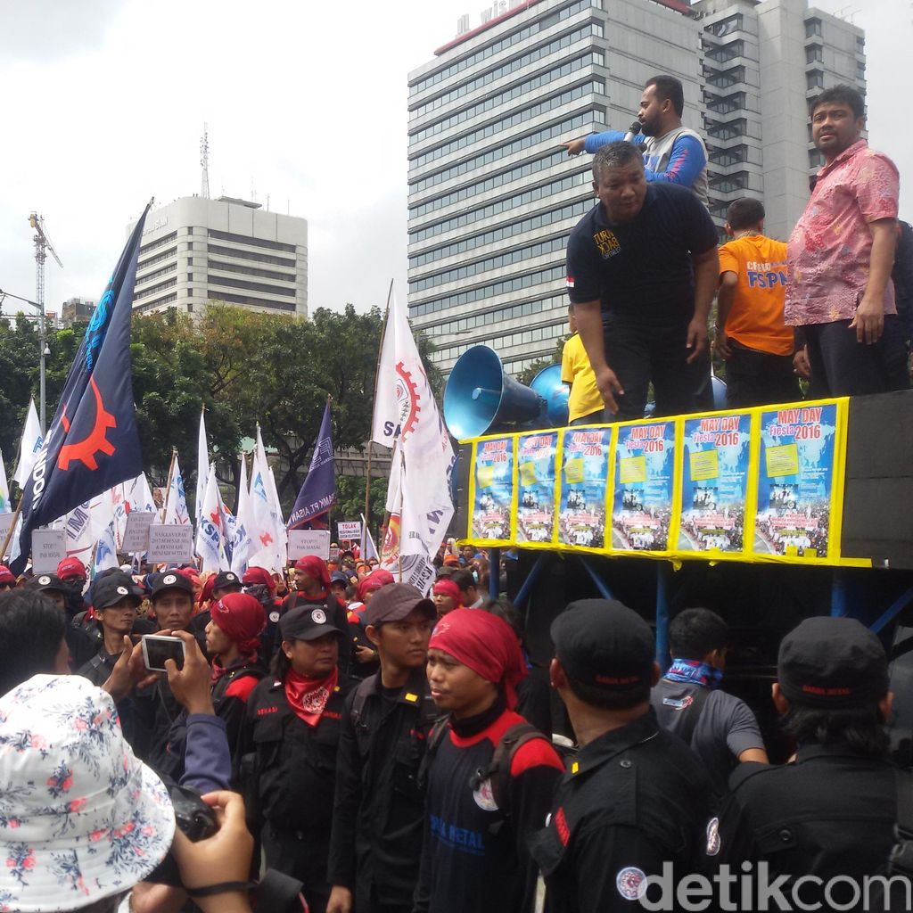 KSPI: Peringatan May Day 2016 di 28 Provinsi Diprediksi Diikuti 1 Juta Buruh