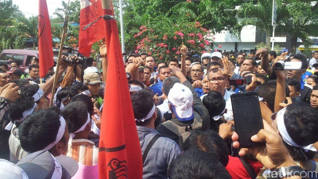 May Day di Medan Berlangsung Ricuh, 25 Orang Ditangkap Polisi