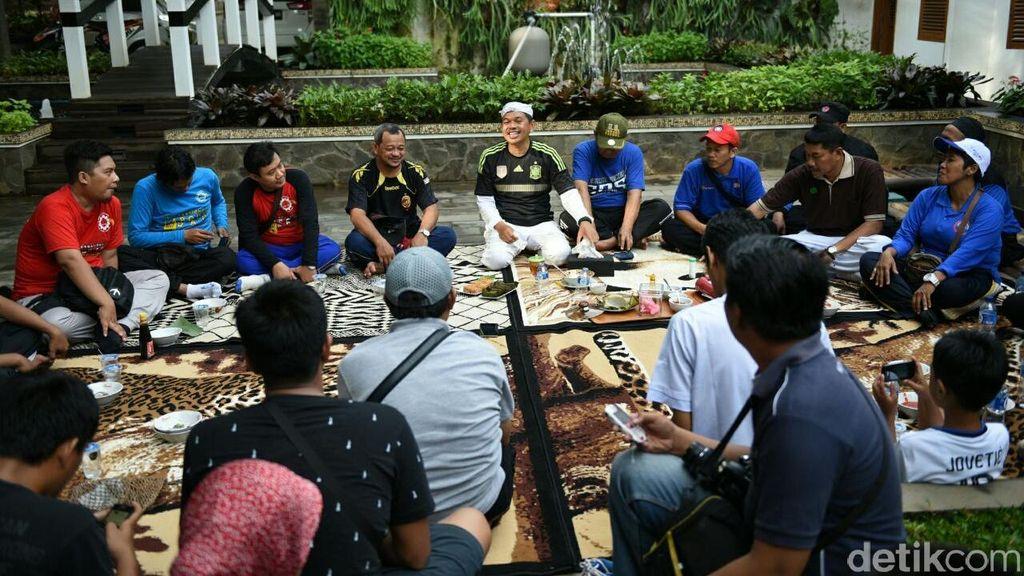 May Day, Bupati Dedi Ajak Buruh Diskusi Sambil Sarapan di Rumah Dinas