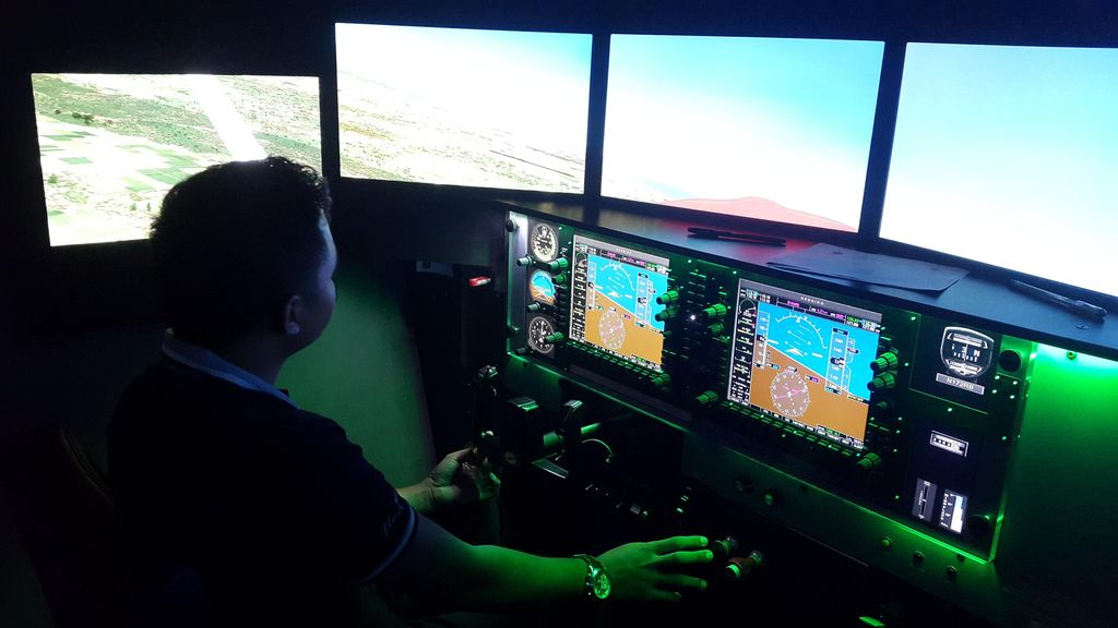 Serunya Menjajal Simulator Pesawat Full Motion di Sekolah Pilot Banyuwangi