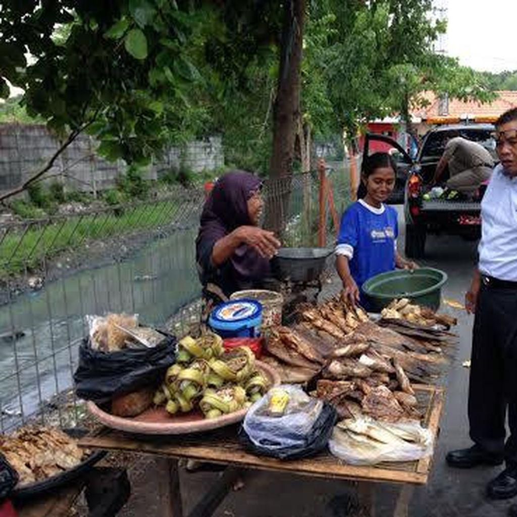 Belasan Pedagang Ikan Asap Kampung Kejawan Akhirnya Pindah ke Sentra Ikan Bulak