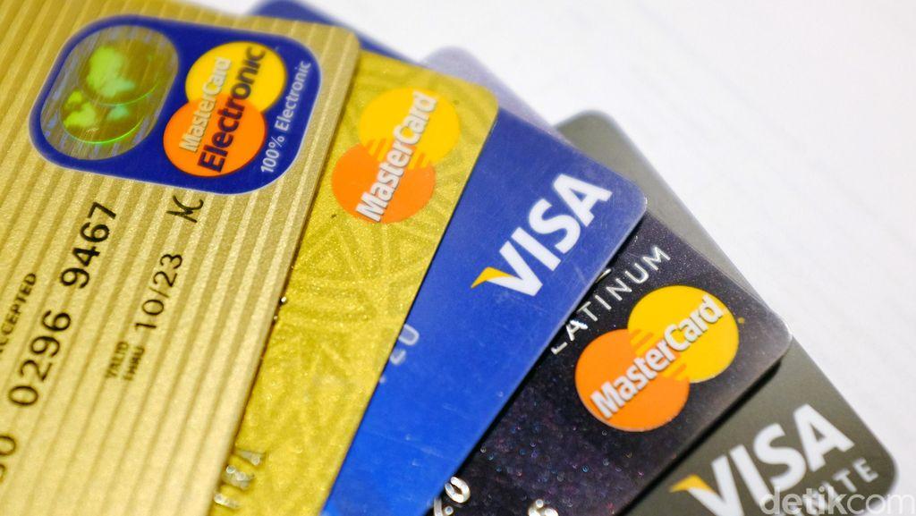 Polisi Tangkap Penipu dengan Modus Kartu Kredit Bebas Iuran Tahunan