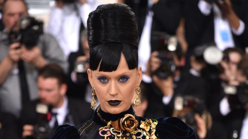Katy Perry, Orang yang Paling Banyak Di-follow di Twitter