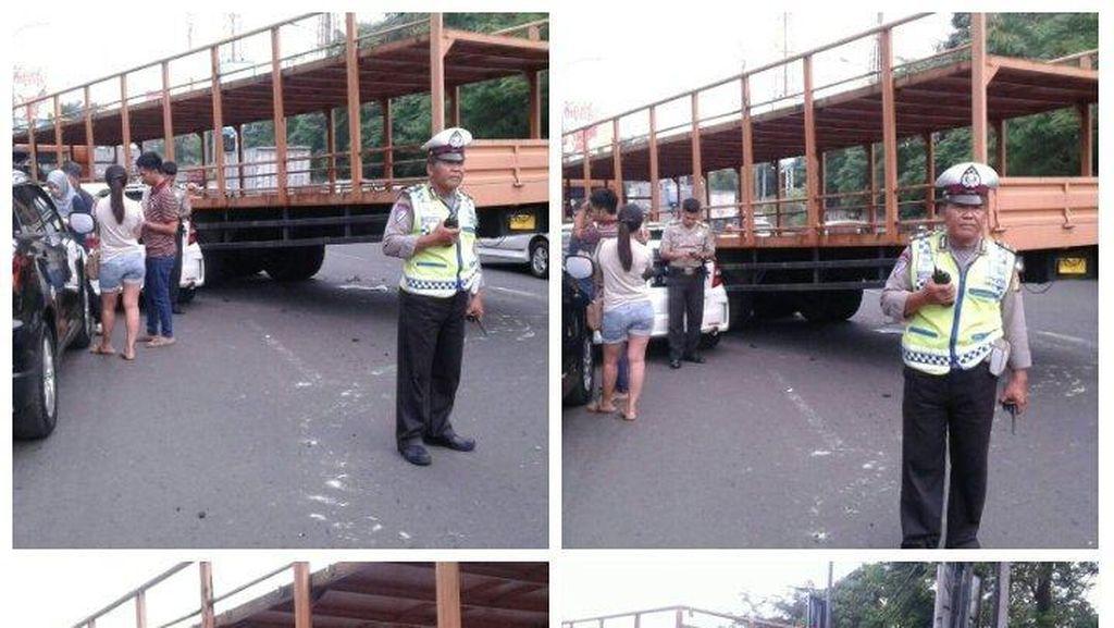 Ada Tabrakan Beruntun di Exit Tol Cibubur, Lalin ke Arah Bogor Padat