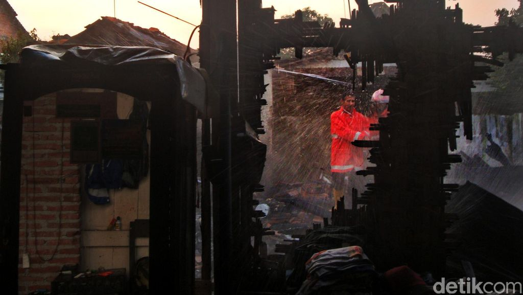 Tiga Rumah di Purwokerto Terbakar